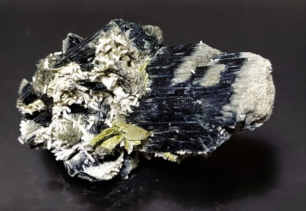 Tremolitt, Kvarts, Epidot og Aktinolitt