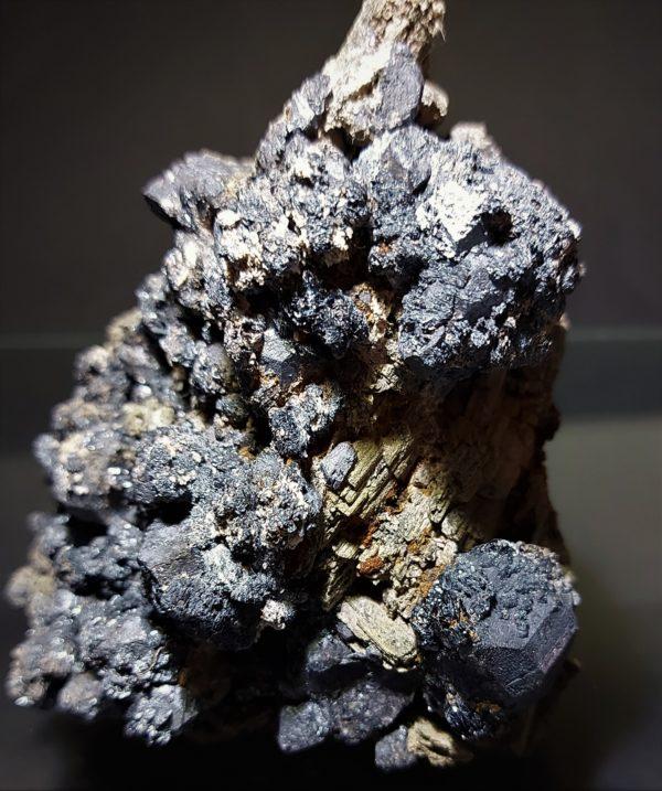Hematitt/Ilmenitt og Tremolitt